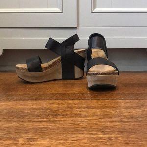 Pierre Dumas wedge heel; Size 6